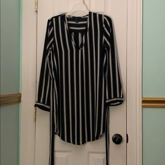 Forever 21 Dresses & Skirts - Long sleeve, black and white striped dress.